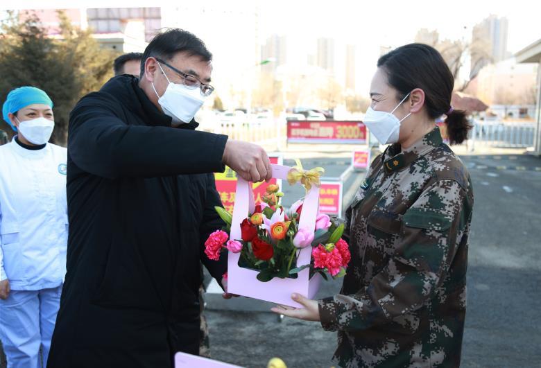 内蒙古市场监管局慰问一线医护人员